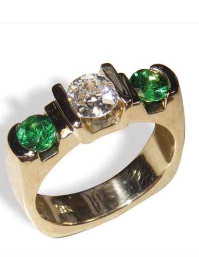 Handcrafted gold ring with jewels