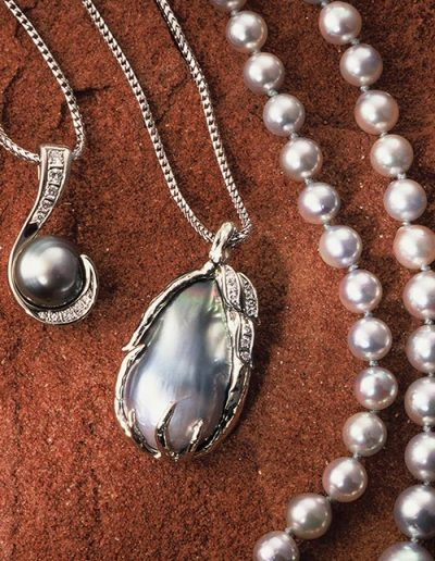 custom jewelry with silver and pearl necklace